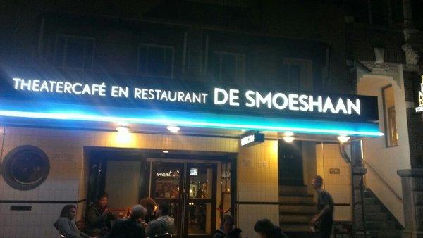 Smoes